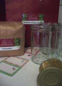 Pakket zelf jam maken met biologische geleisuiker glazen potten en etiketjes Sprankenhof Udenhout Tilburg