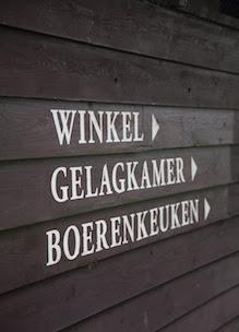 Bewegwijzering naar winkel gelagkamer en boerenkeuken is kookstudio Sprankenhof Udenhout Tilburg Nederland