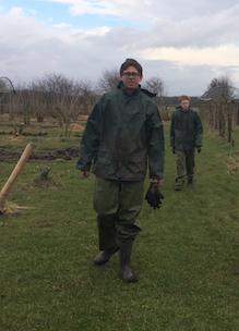 Stagaires van Helicon en ROC Bram en Dennis op biologische boerderij Sprankenhof vacatures